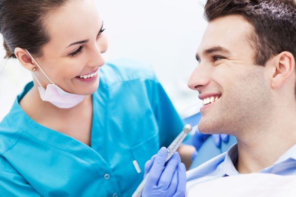 Who Should Perform Dental Implant Placement?